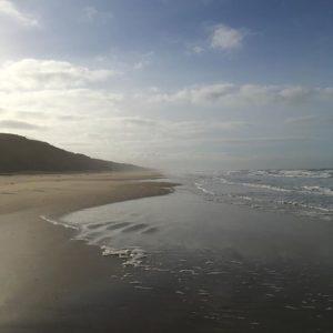 Menschenleerer Strand in Dänemark